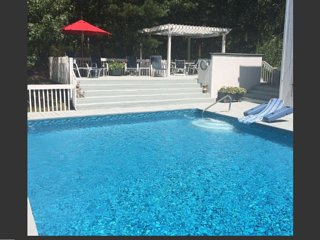 Lovely 3BR, 3BA, Pool, Tennis, Home Theater, Sonos, East Hampton