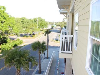 Stunning Ocean 7 Vacation Condo with Terrace and Right Next to Beach, Myrtle Beach