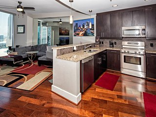 Luxury Midtown Flat- walk to restaurants and bars!, Atlanta