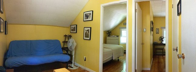 2 bedrooms upstairs (2 queen sized beds) and washroom