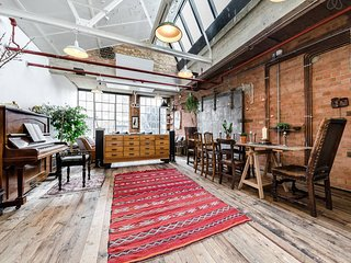 Large 1000 Sq Ft Loft in Former Factory