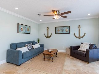Flagler Beachside Suites 2, 2 Bedrooms, Sleeps 6, Newly Remodeled