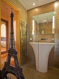 Chalet Serena bathroom 2
