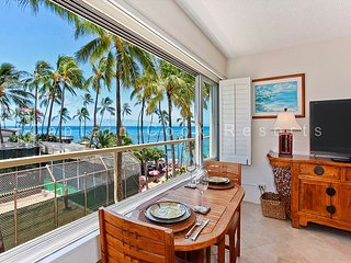 Diamond Head Beachfront Building on Quiet End of Waikiki!, Honolulu