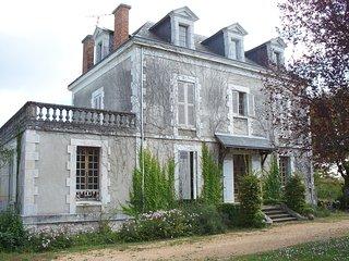 Grande maison avec piscine, Hautefort