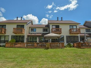 Amazing lake views, 5 minutes from Wisp & DCL activities!