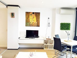 The Paradiso 2 bedroom 2 bath apt Melbourne CBD