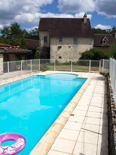 New spacious gite with pool/WiFi, a quiet place