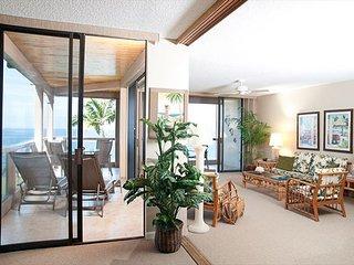 KKSR2204 DIRECT OCEANFRONT CORNER UNIT!!! 2nd Floor, Wifi, BREATHTAKING VIEW!, Kailua-Kona