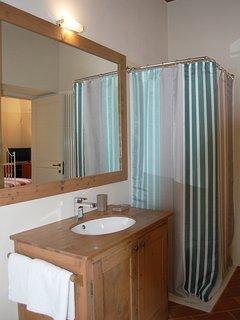 Magnolia: bagno privato  con doccia