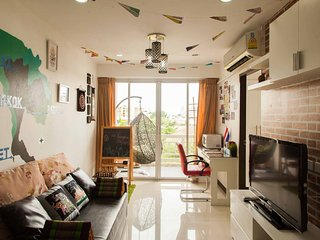 Bangkok Expert;2 BR,2 bath in center near metro