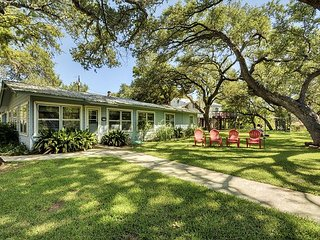 Texas Star on Lake LBJ – Sleeps 10