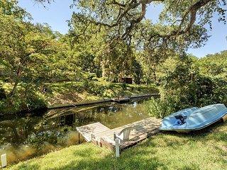 LBJ/Kingsland/Marblefalls Lake Home with Unique History