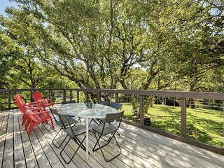 LBJ/Kingsland/Marblefalls Lake Home with Unique History