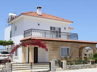 3 bedroom villa in walking distance to the sea, Bogaz