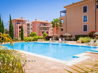 LUXURY 3 BEDROOM TOWNHOUSE FOR HOLIDAY RENTALS VIL, Vilamoura