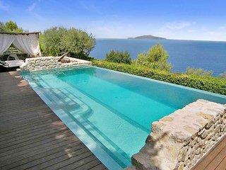 Villa Venere, Sleeps 10, Capri