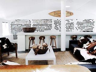 BEDARRA ISLAND VILLA - Contemporary Hotels, Mission Beach