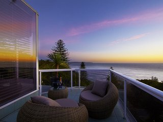WHALE BEACH VILLA, Palm Beach
