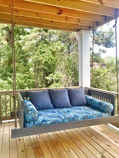 The Swing Bed is Glorious! Ultimate relaxation!