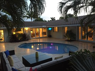 Resort Style Home Just Steps To The Beach!, Fort Lauderdale