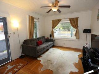 Furnished 3-Bedroom Home at Franklin St & California St San Francisco