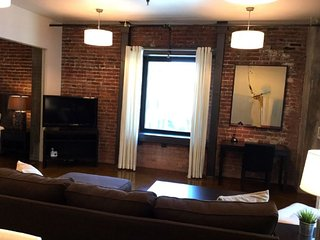 Furnished 2-Bedroom Apartment at Townsend St & Clarence Pl San Francisco