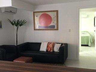 Lindo Apartamento Centro Jurerê Internac- 02 quartos - 06 pes - Próx. ao Mar !!!