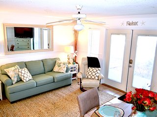 Snow Birds $1200/month Ground Floor Beach Condo, Perdido Key