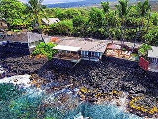 Oceanfront one bedroom Honeymoon Cottage, Breathtaking views, Kailua-Kona
