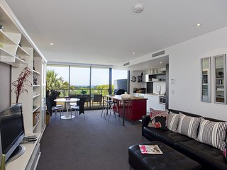 LORNE CHALET APARTMENT 10 - In the heart of town