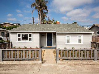 Newly Renovated Beach Bungalow - 3BR House - Walk to the Beach! (SB362NS)