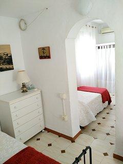 Habitación 3. Luz y confort para relajarse y recibir un merecido descanso.