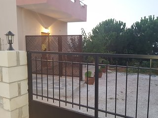 Villa Sunrise, Kefalas