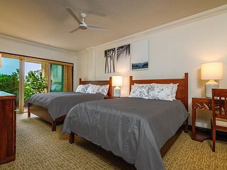 The LARGEST** ground floor Suite at Waipouli & 3 BEDS 2 Queen 1King