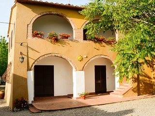Villa for 16 people in Siena with garden and pool