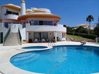 V5 - LUXURY VILLA IN ALBUFEIRA, ALGARVE, PORTUGAL, Albufeira