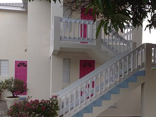 Villa Mia Two Bedroom Holiday Apartments, Oistins
