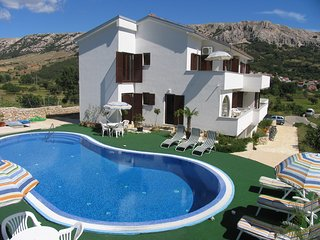 Beautiful Villa With Five Spacious Apartments, Baška