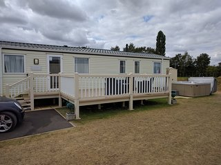 Tattershall Lakes country park 8 berth