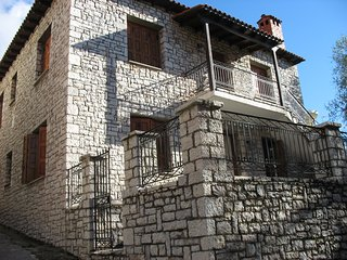 Traditional apartment in Arachova
