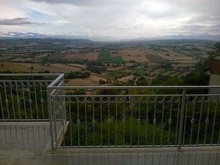 affascinante casa vacanza sullINFINITO LEOPARDIANO, Recanati