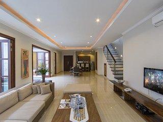 3 Bedroom Private Pool Luxury Villa Seminyak