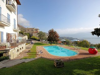 Mezzegra Villa Sleeps 2 with Pool Air Con and WiFi - 5228502