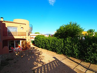 2 bedroom Villa in Empuriabrava, Catalonia, Spain : ref 5059759