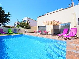 4 bedroom Villa in Empuriabrava, Costa Brava, Spain : ref 2283609