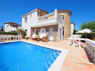 3 bedroom Villa in Empuriabrava, Catalonia, Spain : ref 5038387
