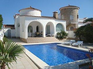 3 bedroom Villa in Empuriabrava, Costa Brava, Spain : ref 2253080