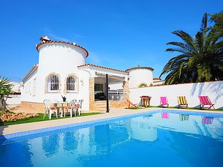 3 bedroom Villa in Empuriabrava, Costa Brava, Spain : ref 2283361