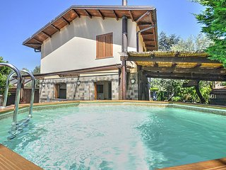 3 bedroom Villa in Sorrento, Campania, Italy : ref 5229134